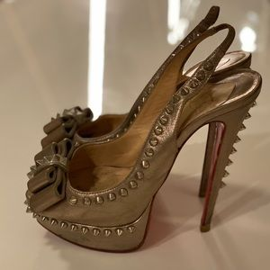 Auth CL Studded heels